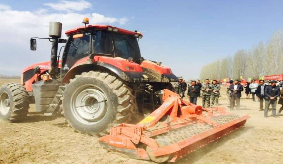LF2204 Wheeled Tractor Uses Dongfeng Cummins QSB Engine